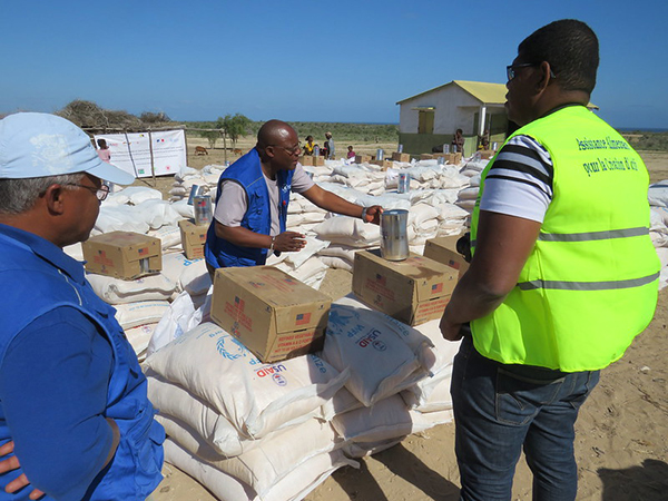 Workers providing aid in Madagascar